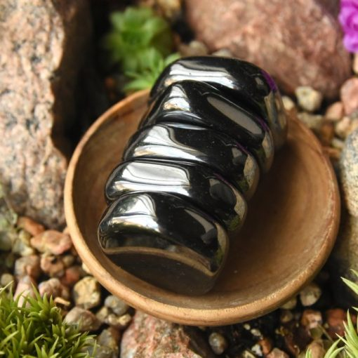 Wholesale Magnetic Hematite Stone Natural Hematite Magnet Healing Crystal Used For Balance And Protection